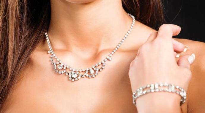 woman jewelry2